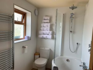 Locheil Apartment bathroom